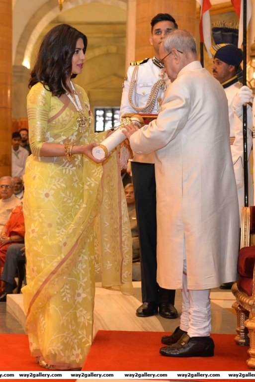 President Pranab Mukherjee confers Padma Shri to actress Priyanka Chopra during the official ceremony at Rashtrapati Bhawan in New Delhi