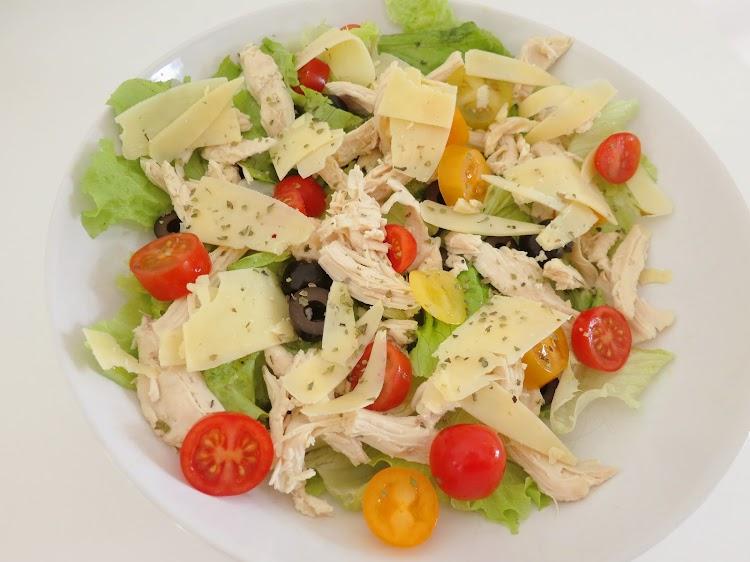 Salada de Frango, Queijo e Oregãos