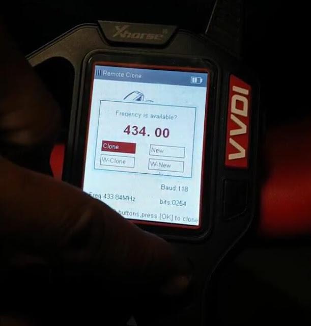 vvdi-key-tool-copy-Mahindra-Scorpio-remote-5