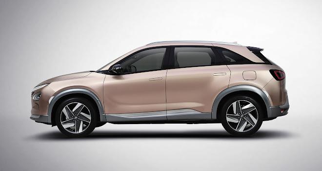 Hyundai Nexo side view