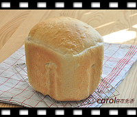 http://caroleasylife.blogspot.com/2015/09/sausage-cheese-bread-bread-machine.html