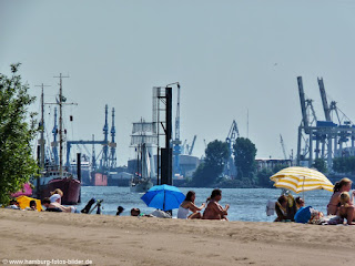 Picknick am Elbstrand in Hamburg