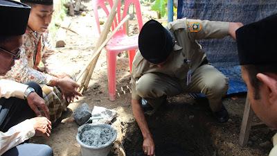 Peletakan Batu Pertama Pembangunan Mushola Al-Hidayah Desa Sikambang