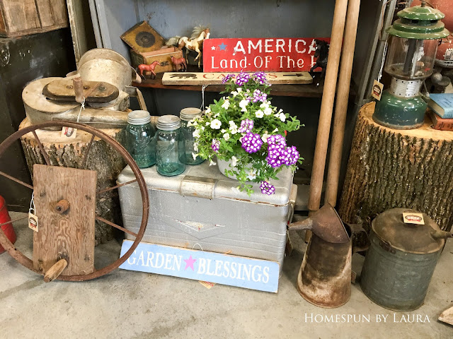 Rainy Weekend at the Country Living Fair in Nashville, Tennessee : Antiques, handmade goods, and junk
