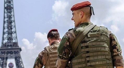 L'Armée peut désormais radier des soldats « radicalisés »  L%25E2%2580%2599Arm%25C3%25A9e%2Bpeut%2Bd%25C3%25A9sormais%2Bradier%2Bdes%2Bsoldats%2B%25C2%25AB%2Bradicalis%25C3%25A9s%2B%25C2%25BB