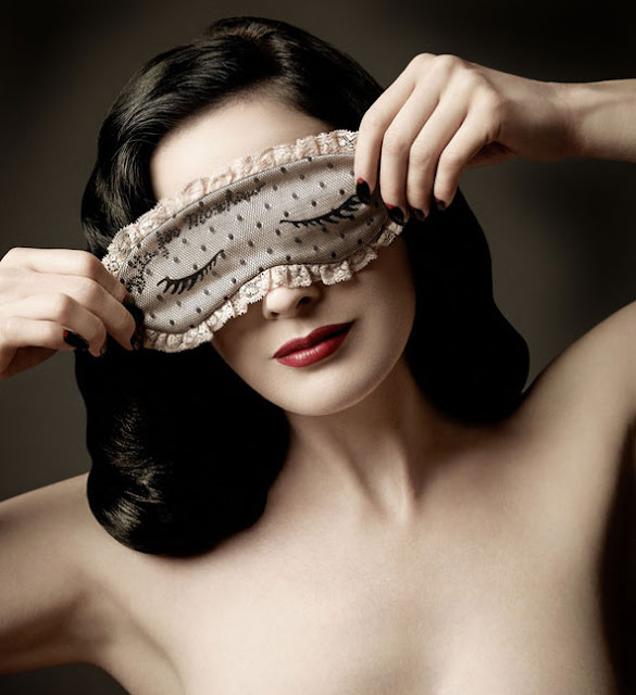 máscara, dormir, máscara de noche, Moschino, costura, diy