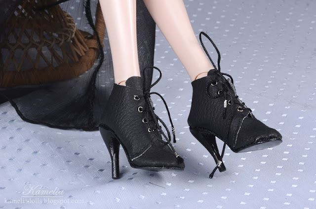 High heels for doll