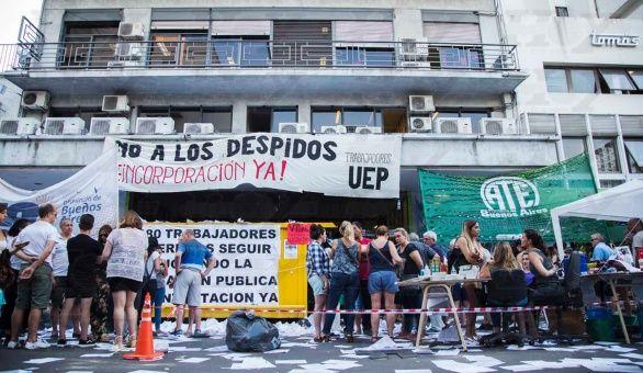Gobierno argentino despide vía e-mail a 200 trabajadores
