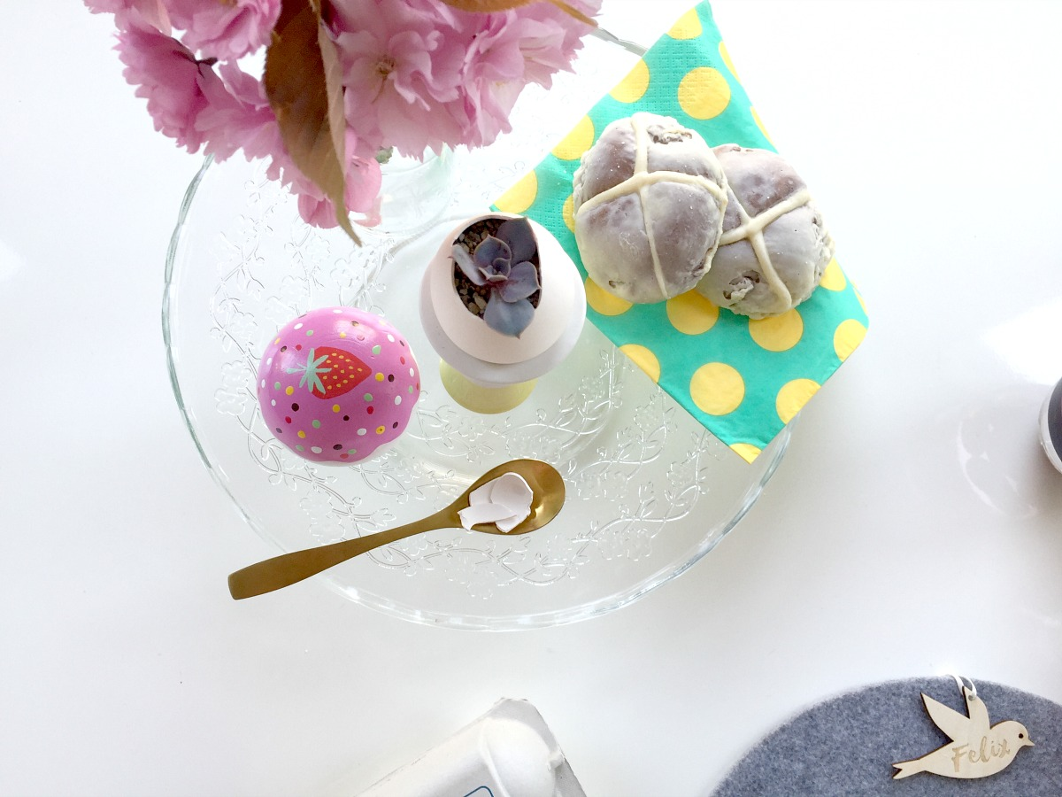 easter brunch ideas, easter food, notonthehighstreet, easter treats, easter table, easter table ideas, easter place settings, unique gifts, personalised gifts, easter party, how to decorate for easter, kids eater party