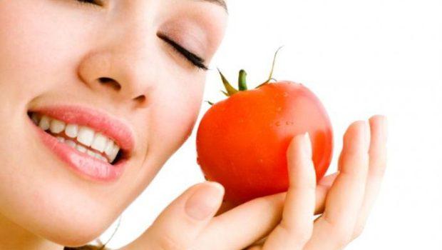 Mặt nạ cà chua trị mụn bọc