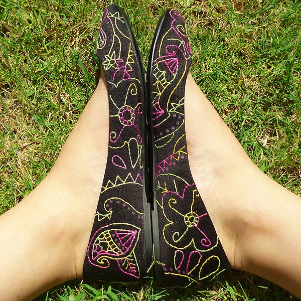 κέντημα σε παπούτσια, μπαλαρίνες με κέντημα, κεντημένα παπούτσια, διακόσμηση παπουτσιών, ζωγραφική σε παπούτσια, ιδέες για διακόσμηση παπουτσιών