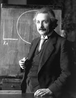 Eksperimen Terkenal Dalam Fisika Moderen, Albert Enstein, Profesor Fisika
