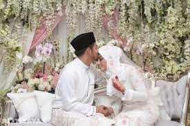 Menikah Dengan Teman