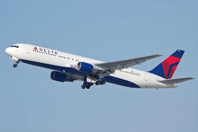 Delta Air Lines N130DL Boeing 767-332