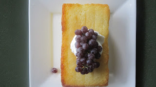 Lemon pound cake with grapes