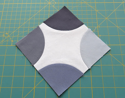 Amish Grace pattern - Work in progress - Hand applique quarter circle