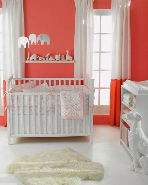 Dormitorio de beb en crema y coral dormitorios colores - Color paredes habitacion bebe ...