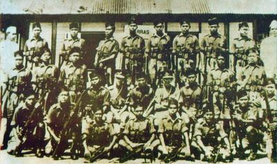 Hasil carian imej untuk Regimen Askar Melayu Di Raja