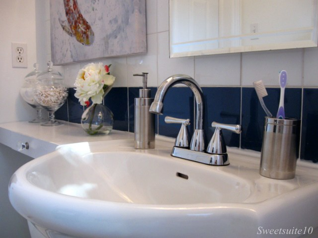 White Bathroom sink with peonies