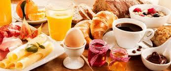 Uma bonita mesa de café da manhã faz a maior diferença, que tal preparar algumas para o café da manhã? Veja no blog algumas inspirações.