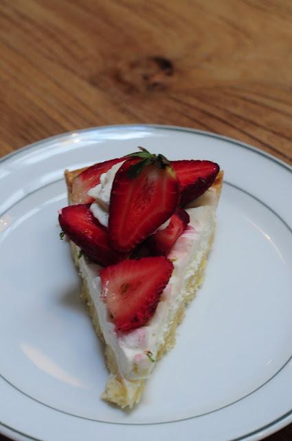 curious palette strawberry tart singapore