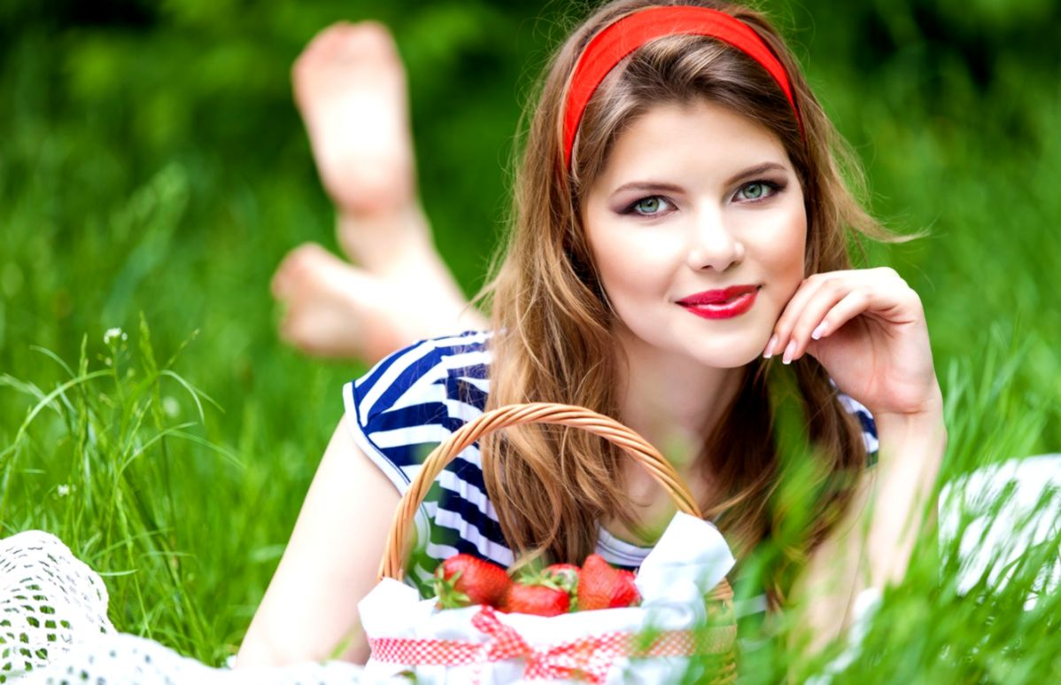 Сучки каблуках фото русских девушек летом