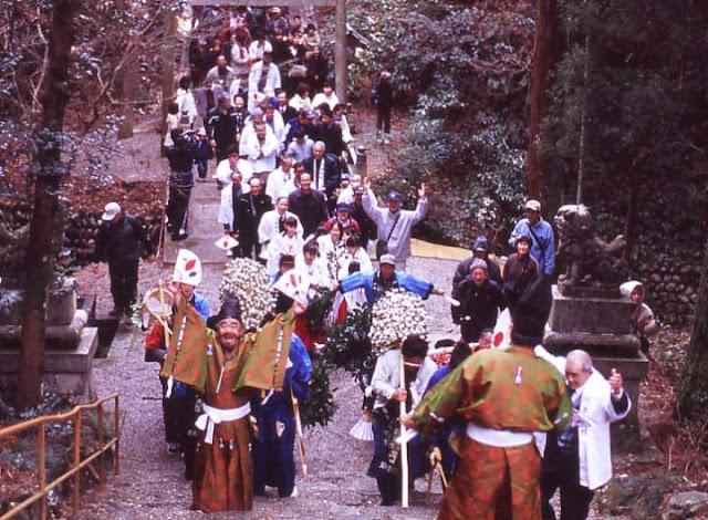 Gomikake Matsuri (Shinto Spring Festival) at Kawazoe Shrine, Odai Town, Mie Pref.