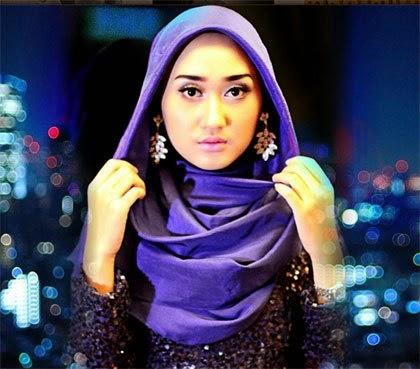 Dulu hijab identik dengan orang bau tanah dan kuno Tips Tampil Stylish dengan Jilbab Instan