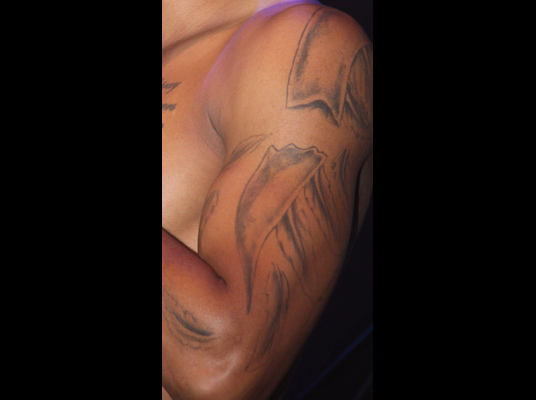 What Is Trey Songz Tattoo On His Chest: Que La Historia Me Juzgue