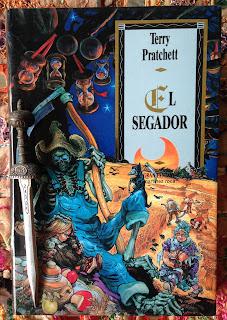 Portada del libro El segador, de Terry Pratchett
