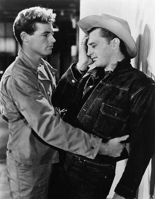 Guy Madison & Robert Mitchum in Till the End of Time (1946)