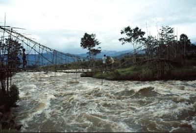 jembatan gantung di papaua
