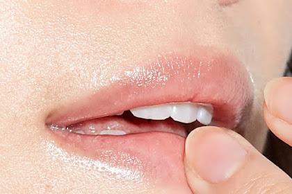 Ingin bibir lembab dan lembut lakukan cara dan tips sederhana ini