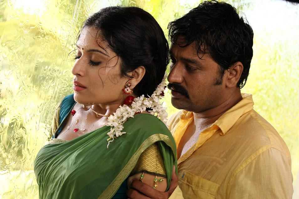 Tamil Movie Aal Hot Stills