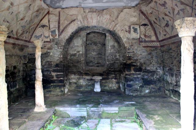 santa-eulalia-de-boveda-lugo-camino-de-santiago-primitivo-piscina-womantosantiago