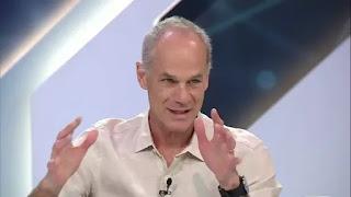 Físico Marcelo Gleiser fala da relação entre ciência e religião no Canal Livre