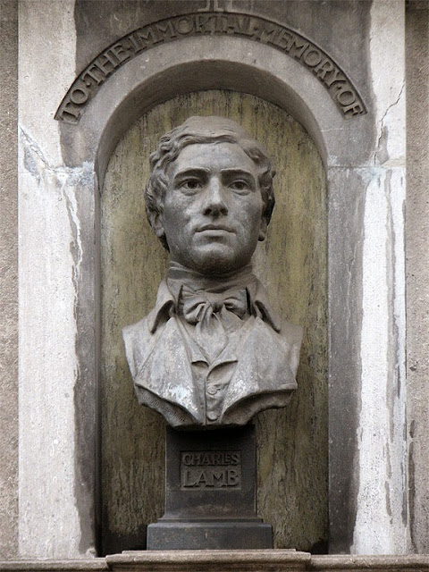 Charles Lamb Centenary Memorial, by William Reynolds-Stephens, Giltspur Street, City of London, London