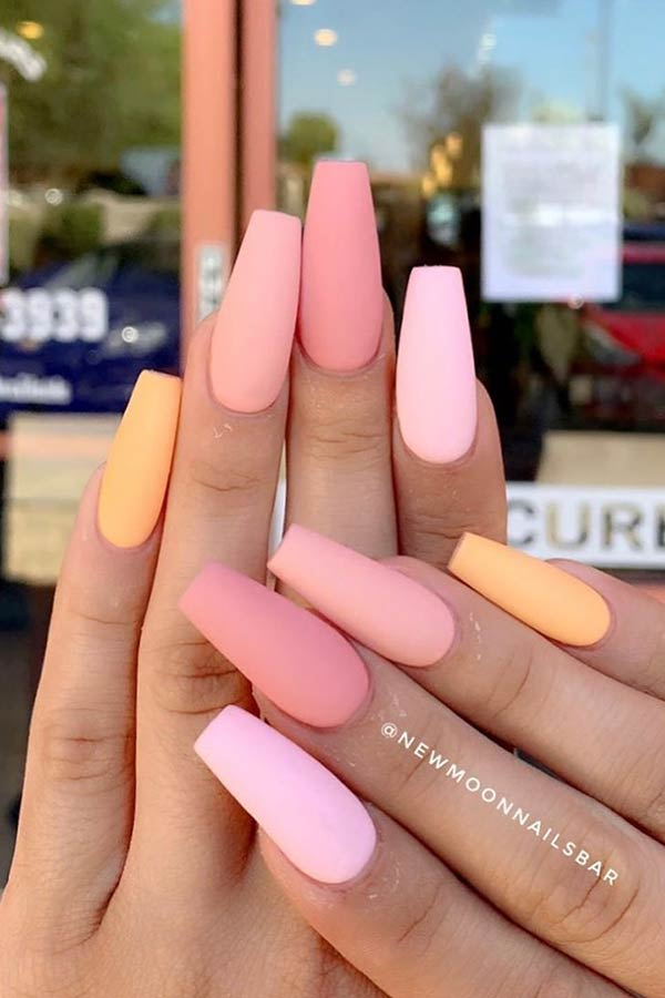 24+ Gorgeous Ombre Acrylic Coffin Nails To Wear Vibrant Nail