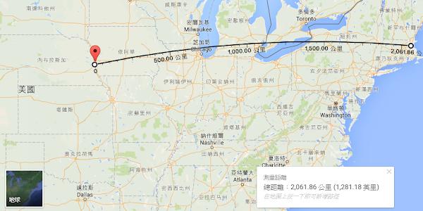 內布拉斯加州的奧馬哈市距離哈佛大學所在地的波士頓 2061 公里,以今日的眼光來看實在不遠。數位時代測量、翻攝自 Google 地圖。
