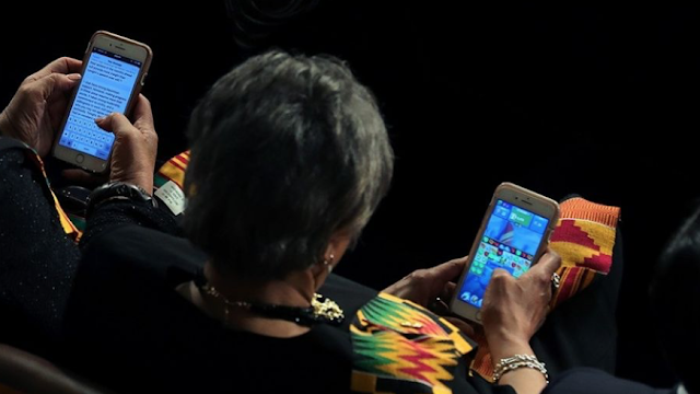 Democratic congresswoman caught playing 'Candy Crush' during SOTU