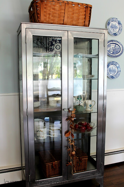 simple-ideas-to-decorate-a-glass-cabinet-for-fall-love-my-simple-home