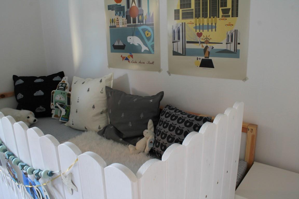 Kleines Kinderzimmer Ikea Ikea Kura Bett Umgestalten Swalif