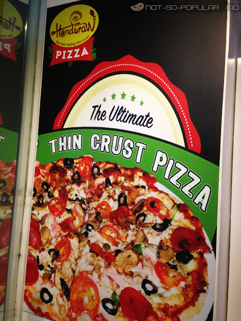 Handuraw: The Ultimate Thin Crust Pizza