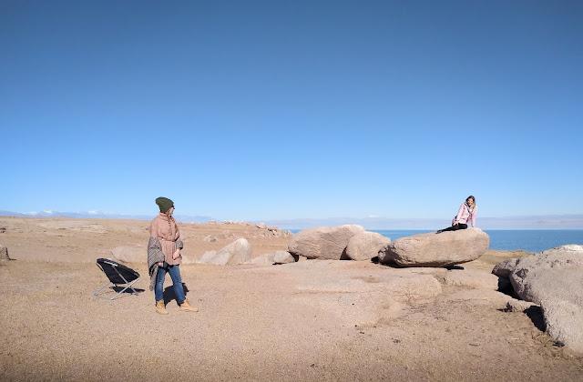Elena & Jules; Lacul Achit, Mongolia