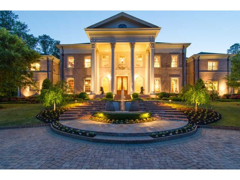 Mansions & More: Large Formal Estate in Georgia