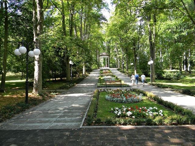 park zdrojowy, na zdrowie, kwiaty