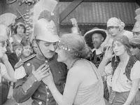 "Кадр из фильма Чарли Чаплина ""Пародия на Кармен"" / Burlesque on Carmen (1916) - 9"