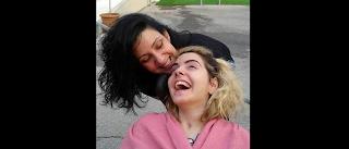 Συγκλονιστικό βίντεο.Γίνονται και θαύματα: Μετά από 4 χρόνια στο κρεβάτι η Ασπασία στέκεται μόνη της ξανά