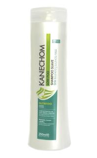 Embalagem branca e verde do shampoo Suave Low Poo Kanechom