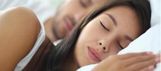 Έχεις νιώσει ποτέ σαν να πέφτεις στο κενό όταν κοιμάσαι; Δες τι σημαίνει!